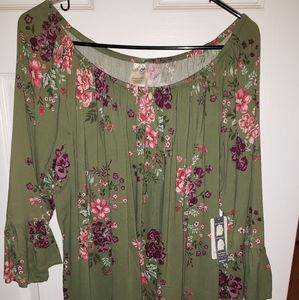 New a tags Green floral long sleeve ruffle blouse